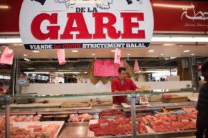 Stand Boucherie au marché de la gare